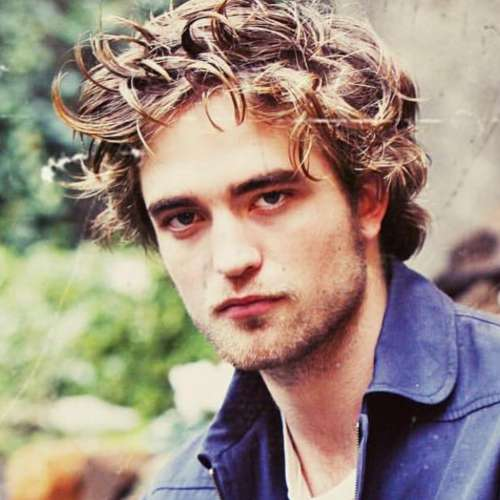 robert pattinson messy hairstyle