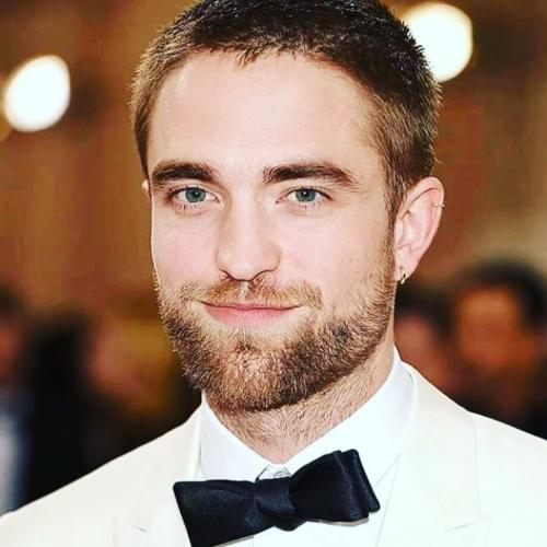 robert pattinson short hairstyle buzzcut