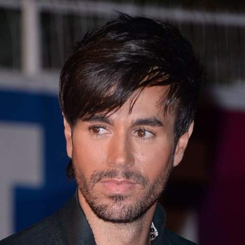 enrique iglesias haircuts in award show