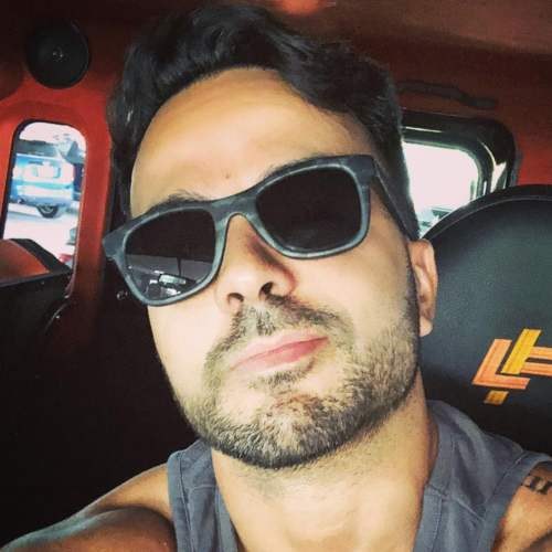 luis fonsi haircut 2017