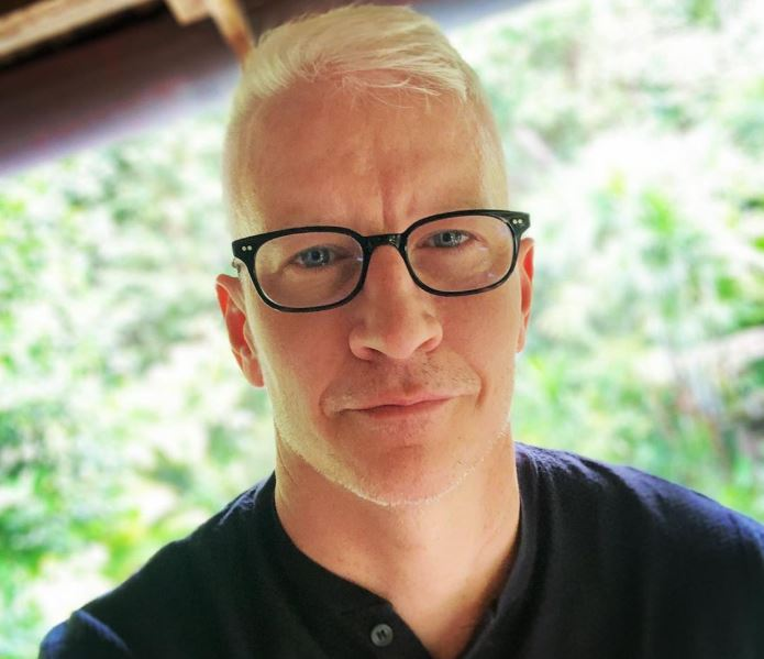 what kind of haircut does anderson cooper have
