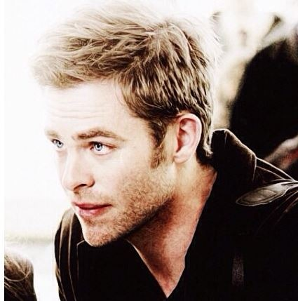 chris pine color blonde hairstyle
